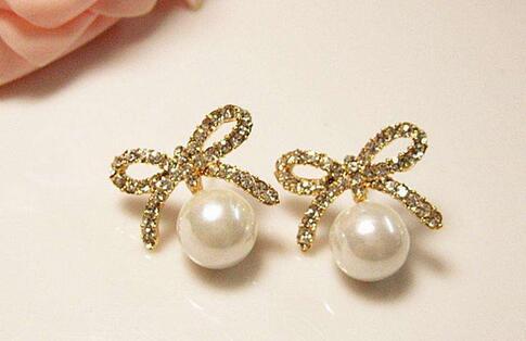 珍珠首饰挑选和珍珠饰品佩戴指南及珍珠仿制品及真假珍珠鉴别