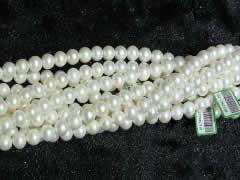 人为原因造成淡水珍珠脱色还能不能戴?珍珠链子戴着睡觉好吗及戴珍珠项链的禁忌